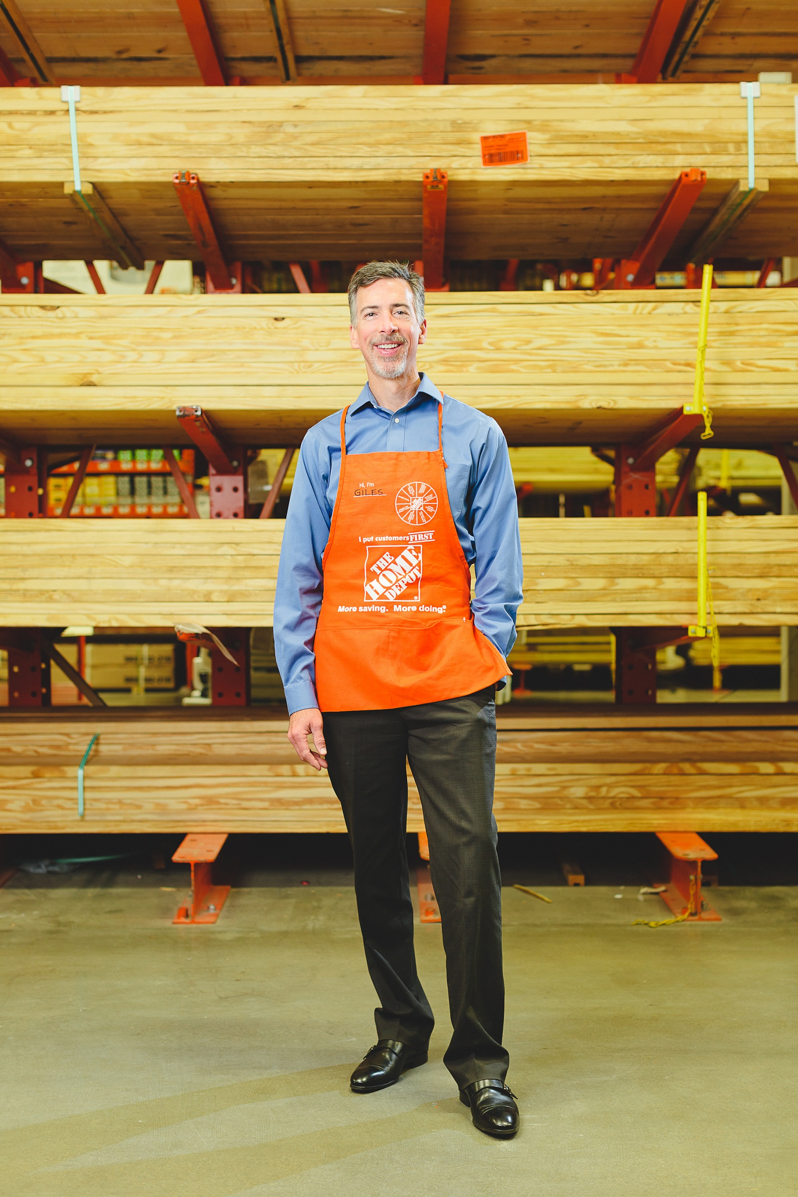 the home depot giles bowman senior vice president merchandising building materials. Black Bedroom Furniture Sets. Home Design Ideas