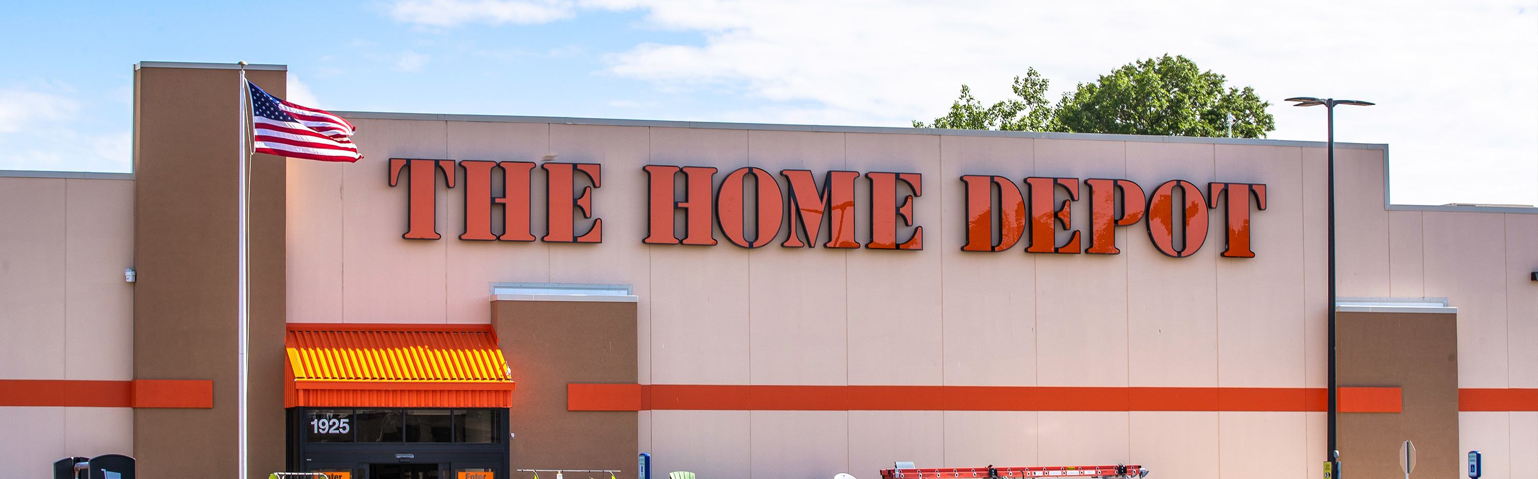 The Home Depot Temporarily Adjusts Store Hours And Extends Paid Time Off In Response To Covid 19 Home Depot Companynewshq